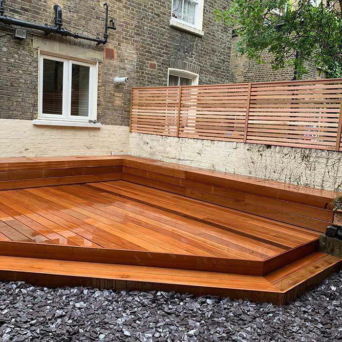 hardwood-decking-cedar-trellis-london-june2020-3