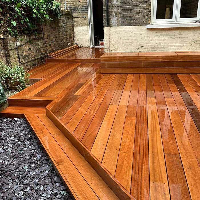 hardwood-decking-cedar-trellis-london-june2020-4