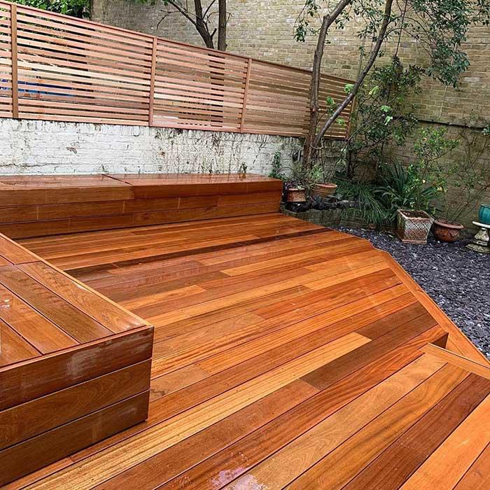 hardwood-decking-cedar-trellis-london-june2020-5