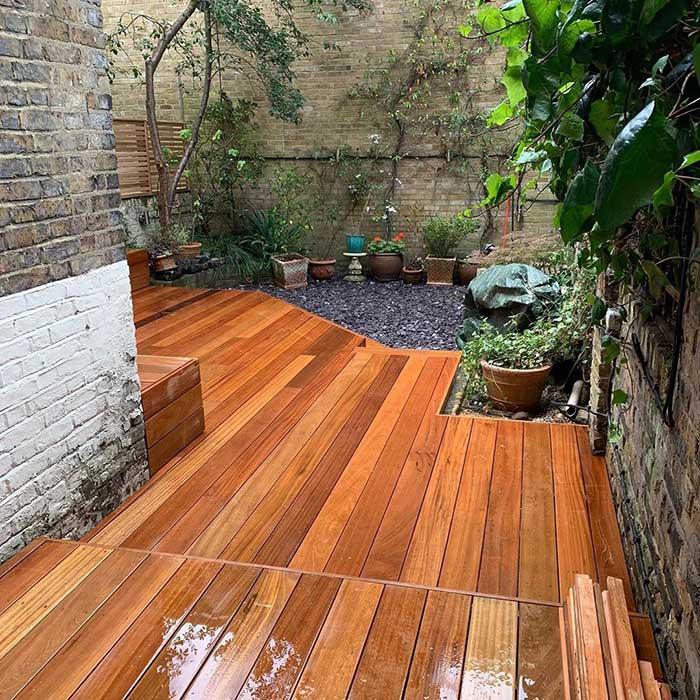 hardwood-decking-cedar-trellis-london-june2020-6